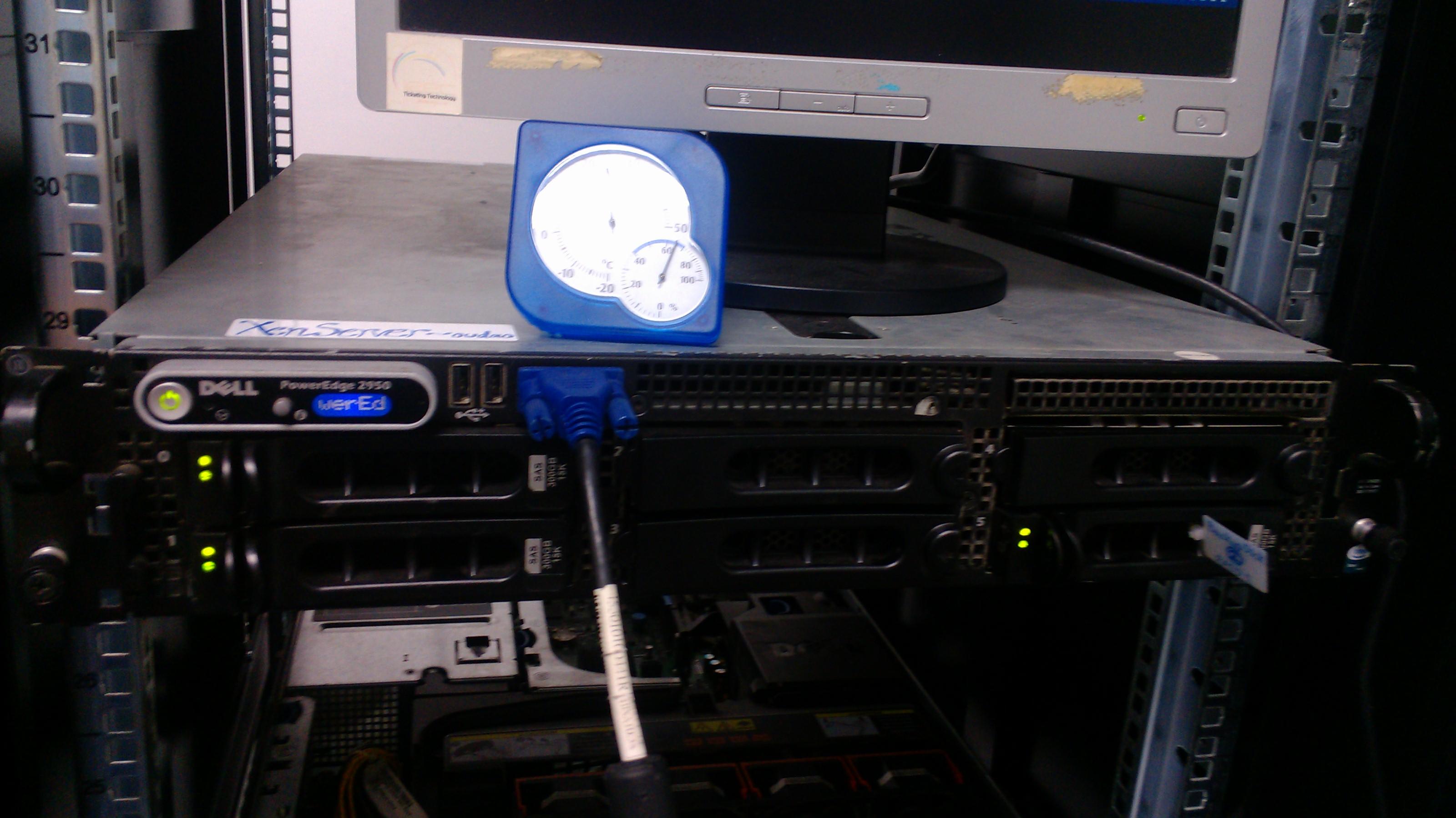 Dell PowerEdge 2950 used for test  - Martin DENIZET